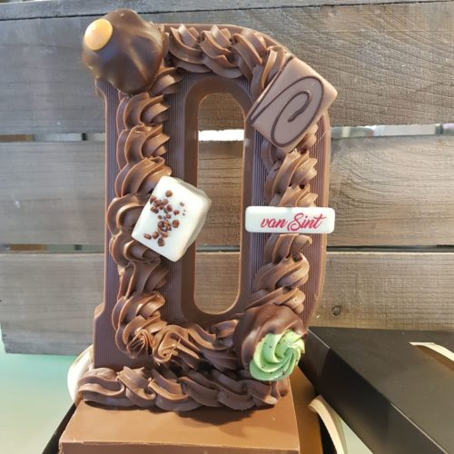 IJssalon vivaldi - Chocoladeletters